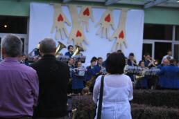 Zdjęcie, publiczność w czasie koncertu orkiestry dętej