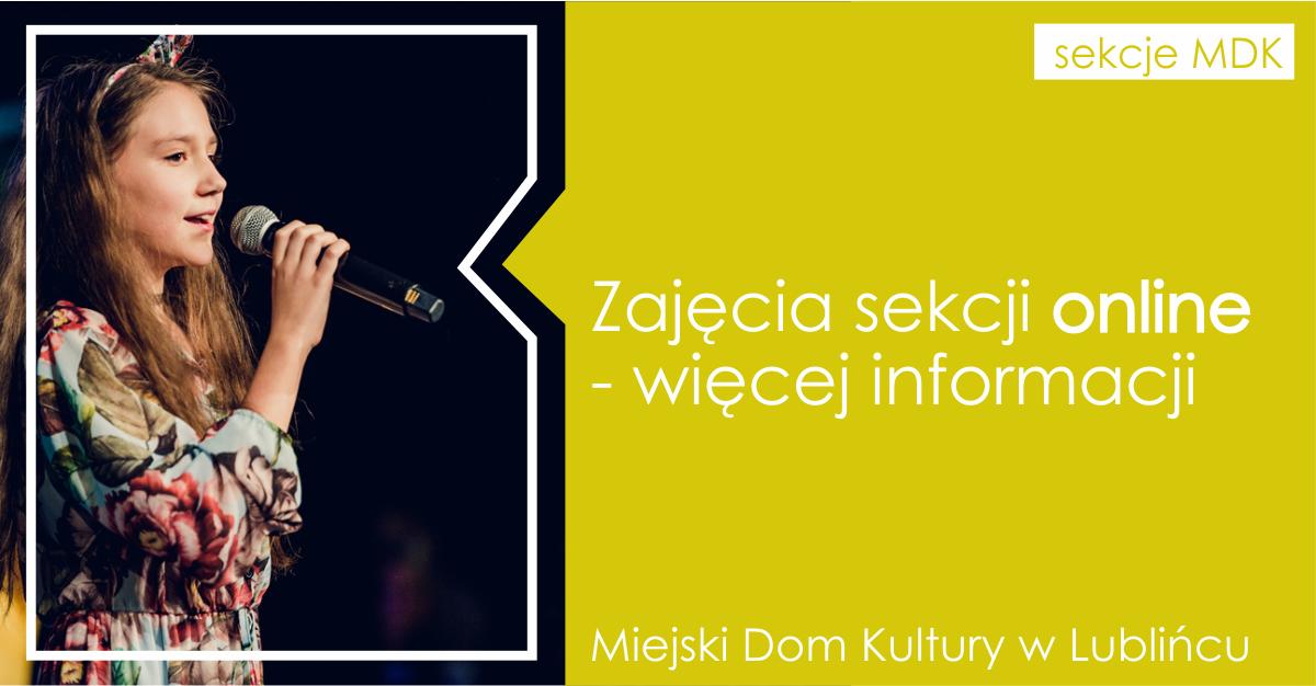 Grafika informacyjna; zdjęcie śpiewającej dziewczynki z mikrofonem i informacja tekstowa o zajęciach online.